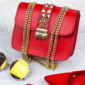 Červená kožená kabelka so zlatým vybíjaním - listová kabelka - listové kabelky - spolocenska kabelka - kabelky do ruky - kabelka na svadbu - kabelka do ruky - clutch kabelka - clutch kabelky - kabelka na ples - plesové kabelky - spoločenská kabelka - listove kabelky na svadbu - kabelky cez rameno aj do ruky - kabelky listové - male kabelky do ruky - kabelka clutch - mini kabelky do ruky - kabelka listova - kabelky do ruky aj cez plece - spoločenské kabelky do ruky - lacné listové kabelky - štrasové spoločenské kabelky - listova kabelka do ruky - mini kabelka do ruky - kožené kabelky do ruky - elegantne kabelky do ruky - spoločenské kabelky na svadbu - damske kabelky do ruky - damske listove kabelky - slavnostna kabelka