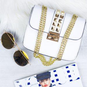 Biela kožená kabelka so zlatým vybíjaním - listová kabelka - listové kabelky - spolocenska kabelka - kabelky do ruky - kabelka na svadbu - kabelka do ruky - clutch kabelka - clutch kabelky - kabelka na ples - plesové kabelky - spoločenská kabelka - listove kabelky na svadbu - kabelky cez rameno aj do ruky - kabelky listové - male kabelky do ruky - kabelka clutch - mini kabelky do ruky - kabelka listova - kabelky do ruky aj cez plece - spoločenské kabelky do ruky - lacné listové kabelky - štrasové spoločenské kabelky - listova kabelka do ruky - mini kabelka do ruky - kožené kabelky do ruky - elegantne kabelky do ruky - spoločenské kabelky na svadbu - damske kabelky do ruky - damske listove kabelky - slavnostna kabelka